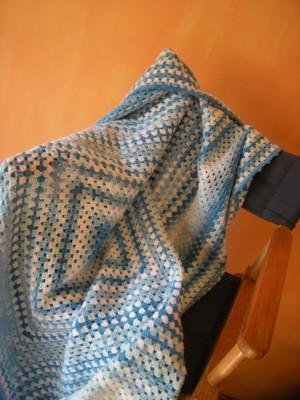 Unikatni dekorativni prekrivac